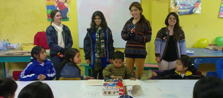 Volunteers do great job teaching about health in Cusco