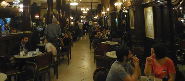 Waarom een bezoek aan Café Tortoni in Buenos Aires?