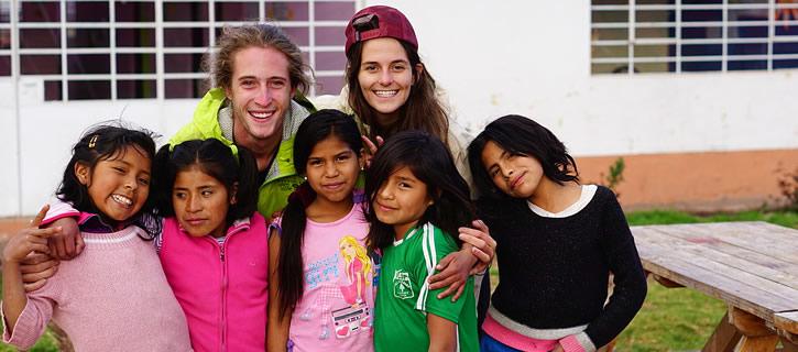 Trabajo Voluntario en Cusco: jugando a los zombies y pintando paredes
