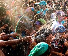 Carnaval Craziness in Cusco