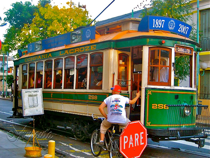 8 Alternative Things to do in Buenos Aires - Catch an old tram