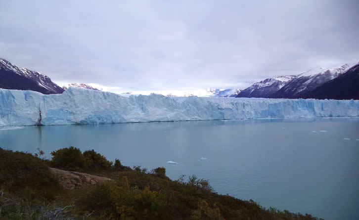 Natural phenomenon of perito moreno - Argetina
