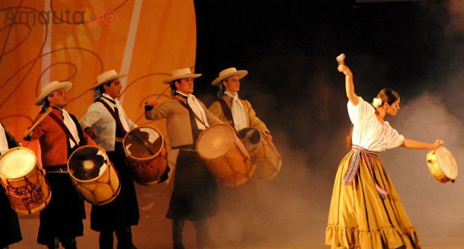 Artists performing at the festival in Chacarera