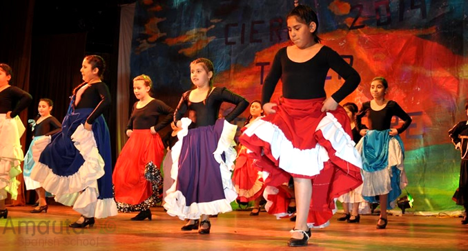 Young girls dancing the Chacarera