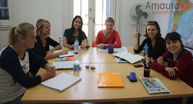 Spanish group classes in Buenos Aires with interactive methods