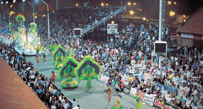 The big parade in the Carnival center in Gualeguaychú