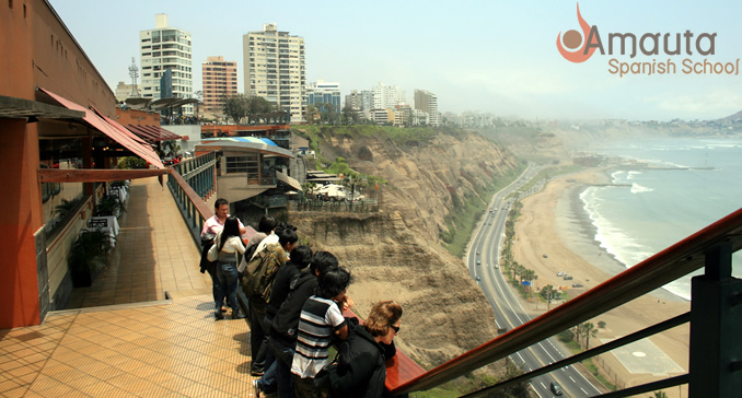The ocean view from Larco Mar, Lima